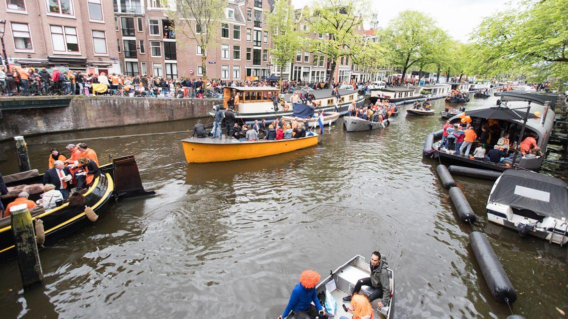 Verjaardag vieren op de Amsterdamse grachten binnenkort verboden!